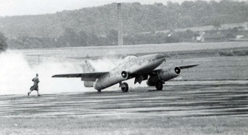 me-262-tail-wheeled-prototype-1942.png.bcf74246a446ad88dc5d55dd79165ddc.png